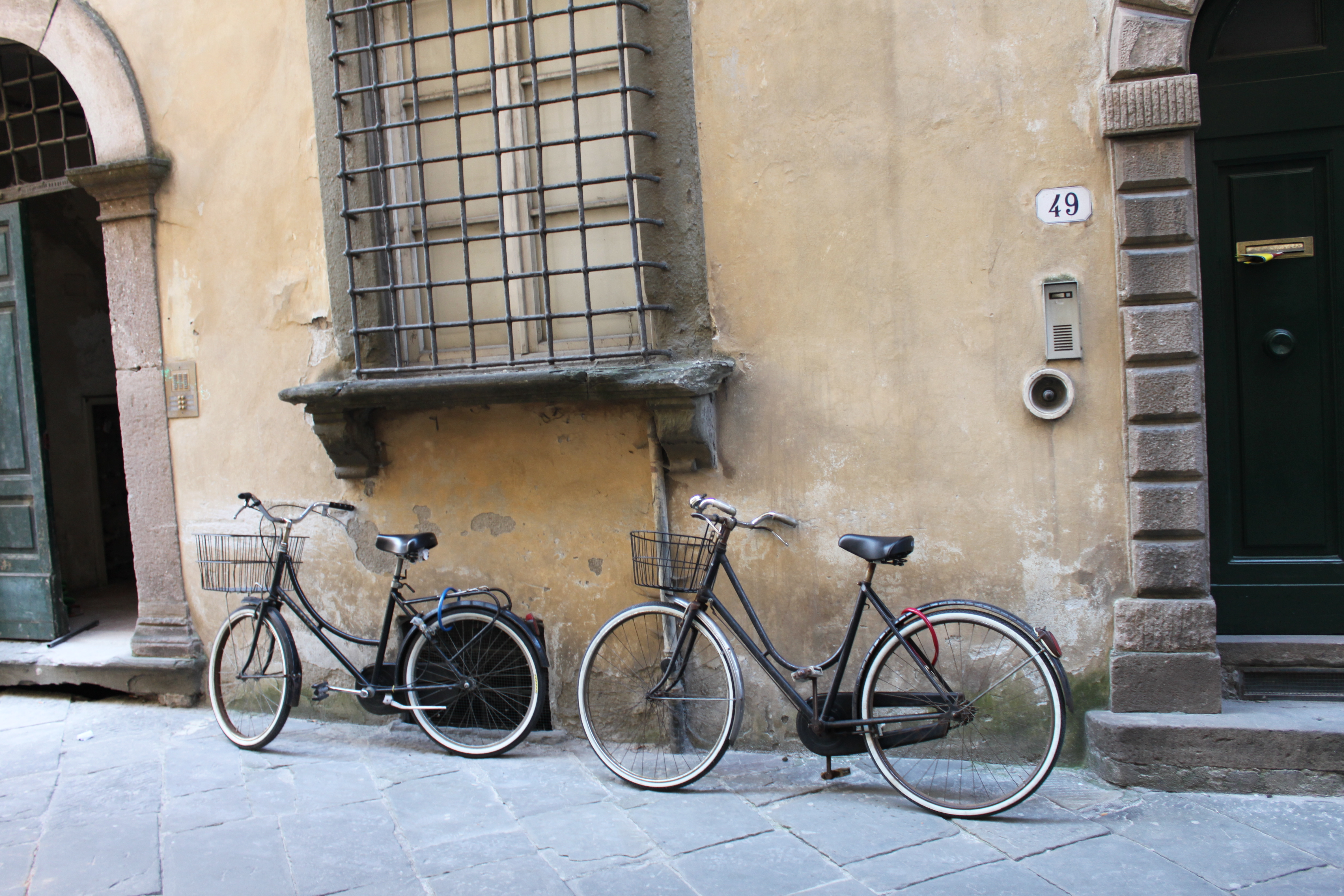 Bikes in Italy - bikes, bikes, everywhere!