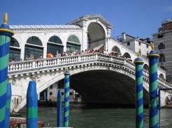 Rialto Bridge, Venice www.educated-traveller.com