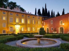 The courtyard at Villa Cordevigo