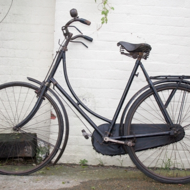 This is a very similar bicycle to the one that Mrs Bech gave to me when I won a place at Oxford University back in 1980