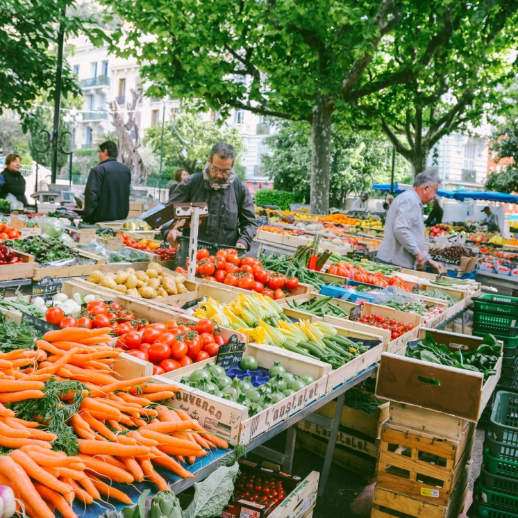 Beaulieu-s-mer, daily market