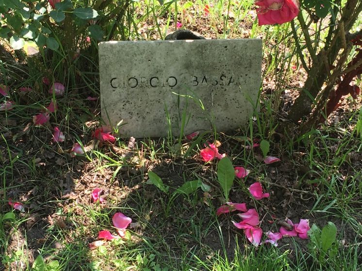 The original Giorgio Bassani headstone