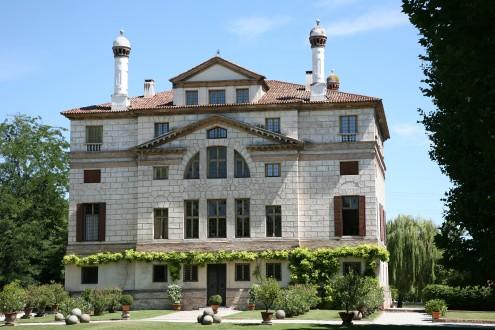 Villa Foscari (Malcontenta) garden facade - fabulous, stylish Palladian villa - www.educated-traveller.com