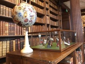 Oxford - Christ Church, Carroll Globe and Wonderland characters