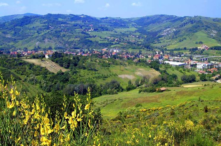 The idyllic countryside of Valsamoggia, with Savigno in the distance