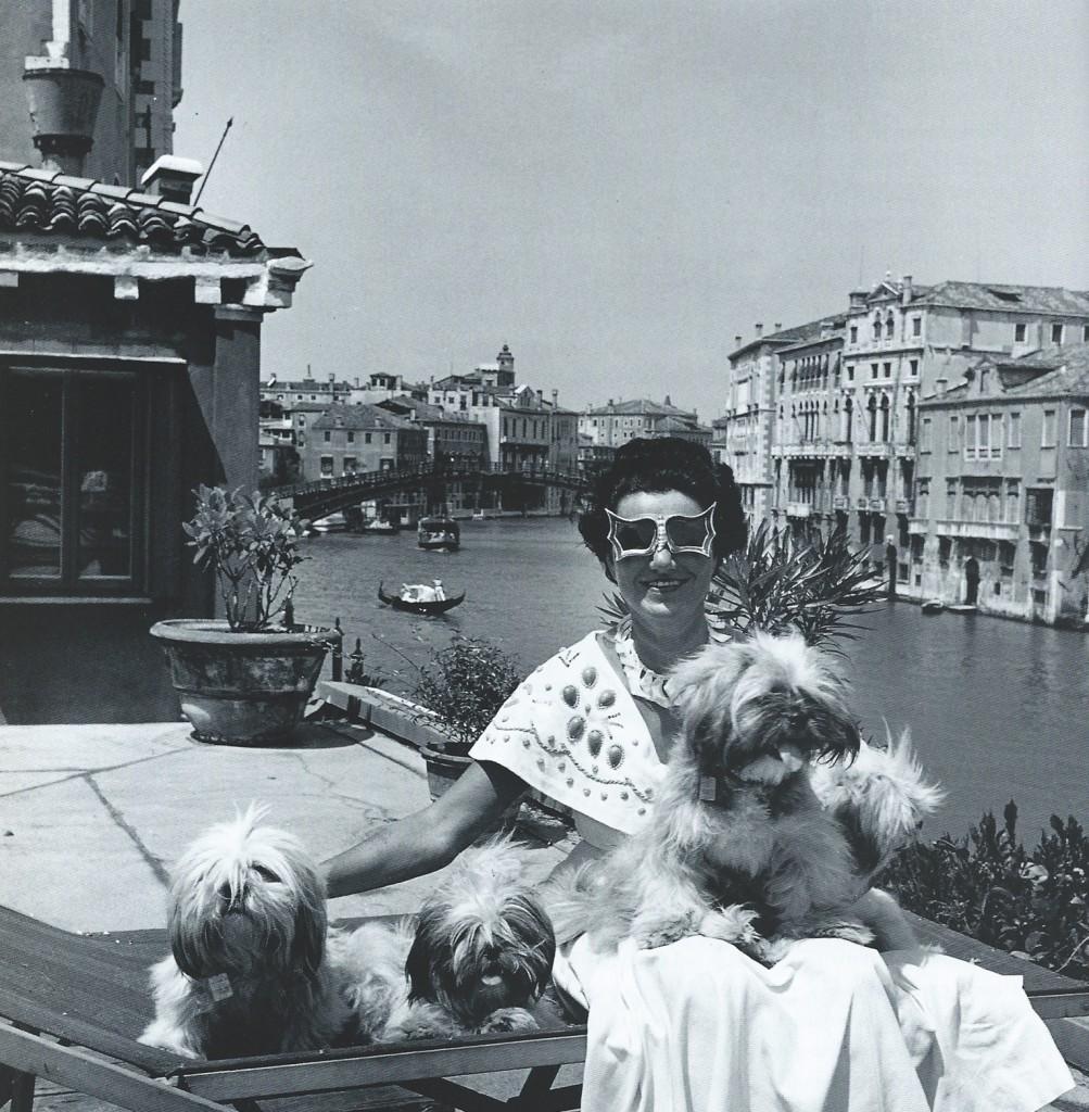 A Peggy Guggenheim - Gd Canal - dogs