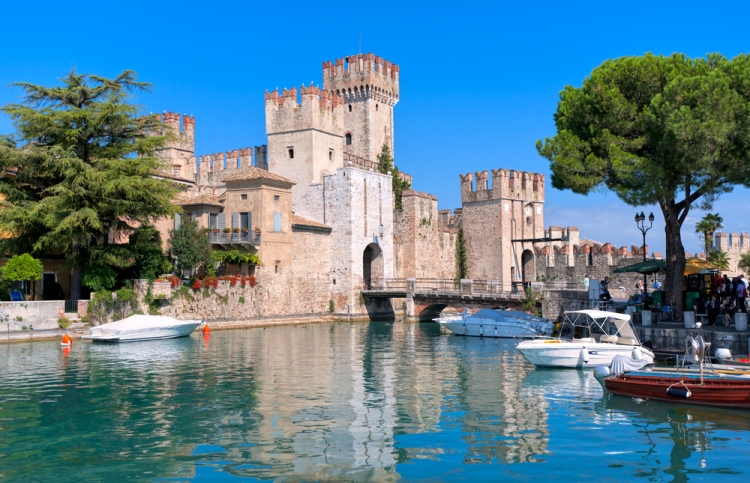 Sirmione - draw bridge