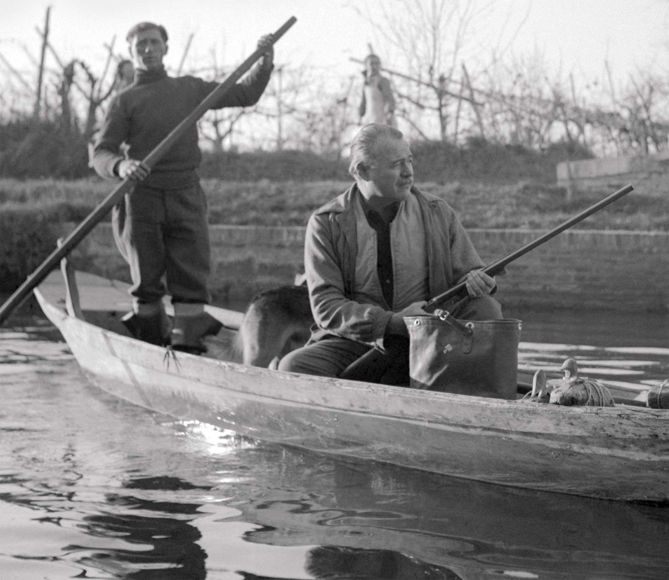 Ernest Hemingway - hunting on the lagoon c.1945