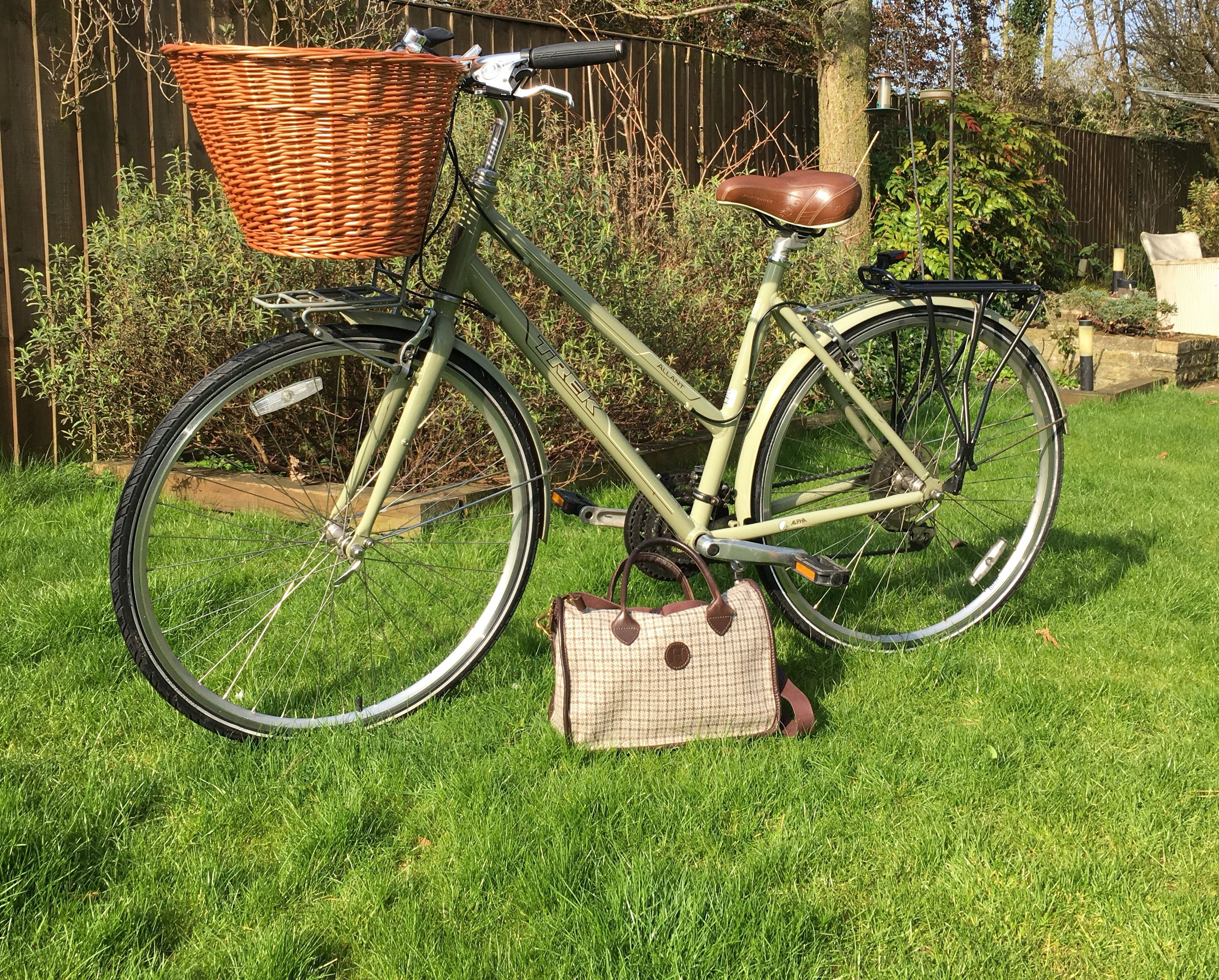 The Educated Traveller's sturdy Herdwick Hand Bag - going strong!