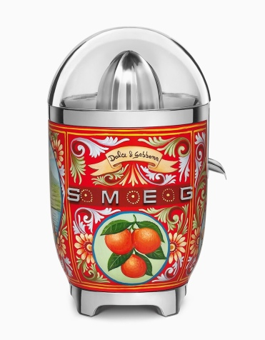 SMEG and D & G juicer, stylish as can be!