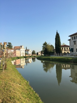 River Brenta at Mira Porte, Veneto, Italy - www.grand-tourist.com