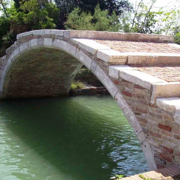 Torcello - Ponte del Diavolo, bridge of legends!