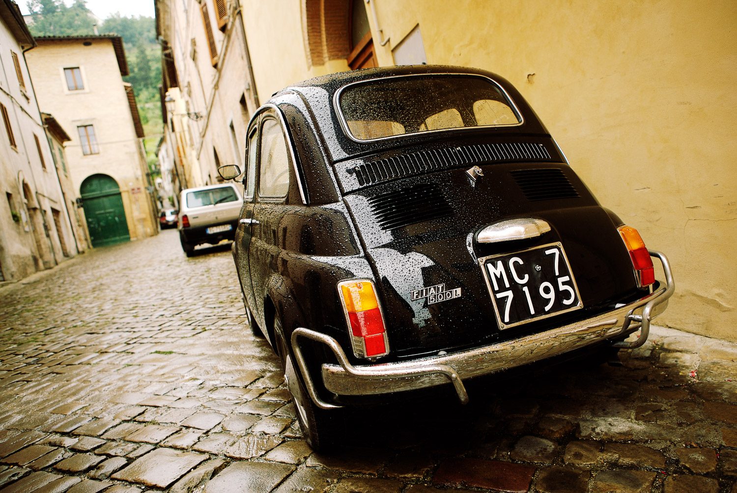 Fiat 500 - Le Marche, Italy - photo by Peter Corcoran www.petercorcoran.com - Words by www.educated-traveller.com