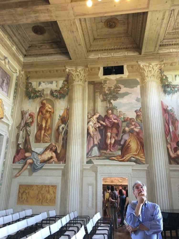 Villa Emo - Frank ponders on the frescoes!