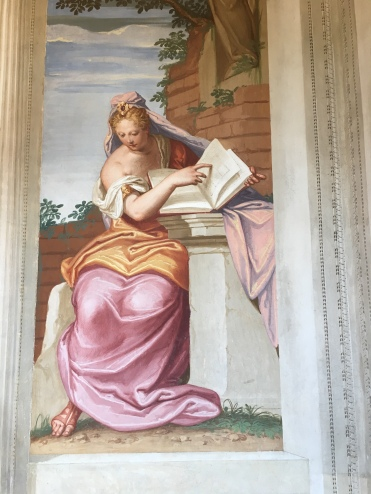 Frescoes depicted art, literature, theatre and music