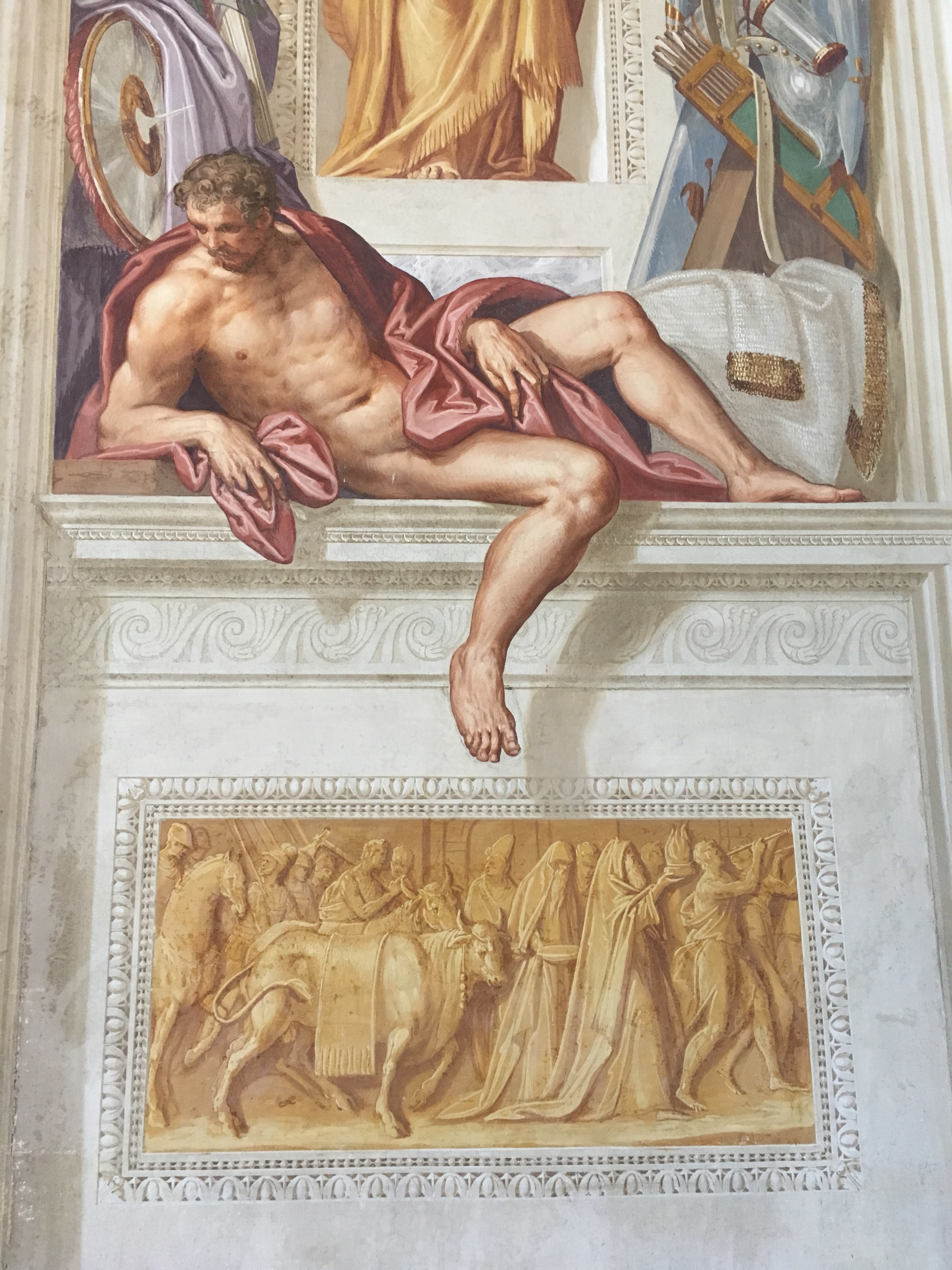 Fresco painter Zelotti created these wonderful trompe l'oeil paintings in the main reception room