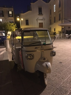 Matera - the best way to travel when you are tired, by tuc-tuc