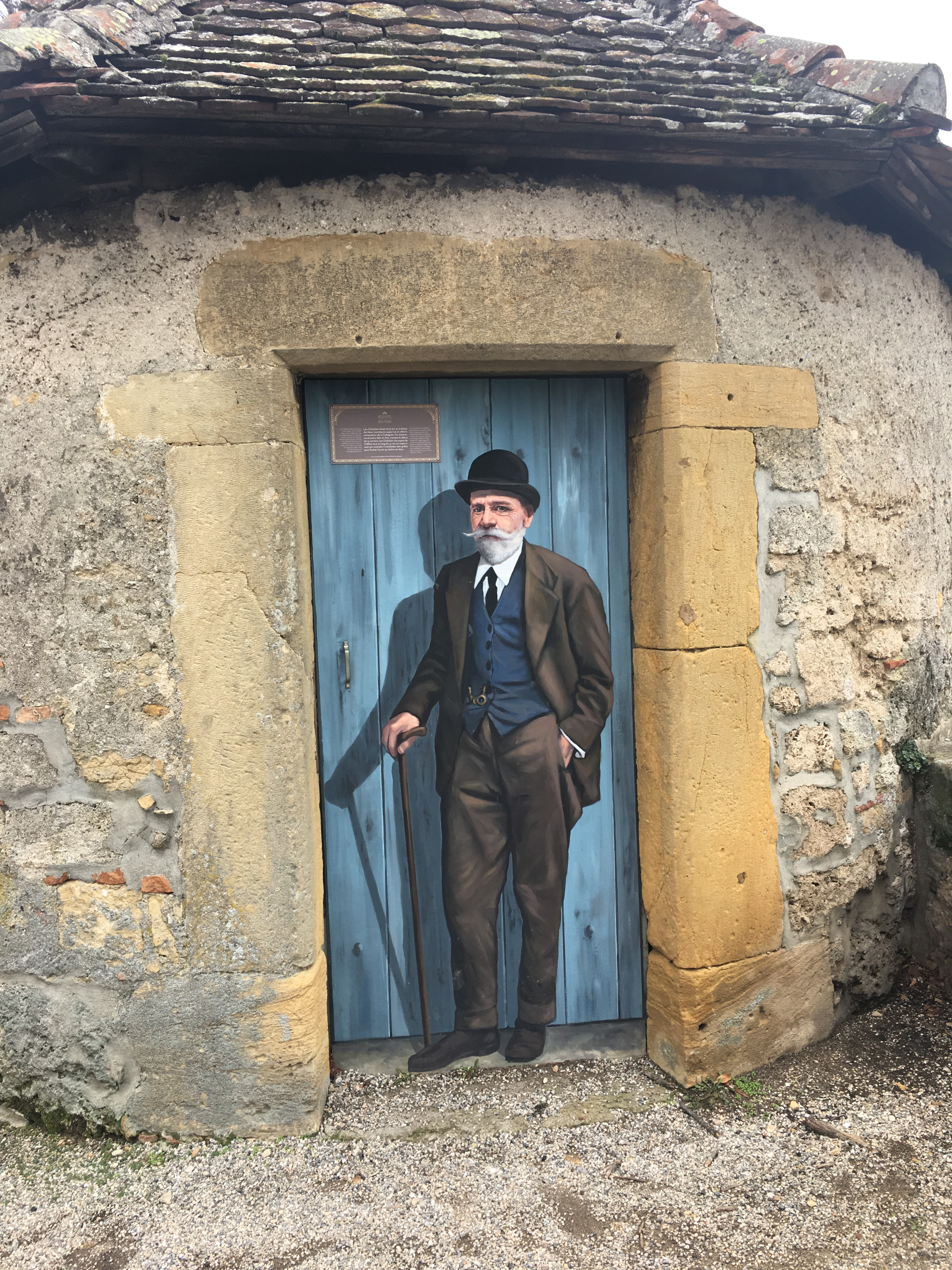 A Neuchatel architect is preserved for ever in a wall painting by the castle