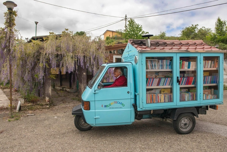 Antonio La Cava - the smallest library in Italy - https://wp.me/p5eFNn-4nb