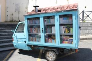 Libri hanno le ruote - Antonio La Cava's 'motobibliocarro' Basilicata