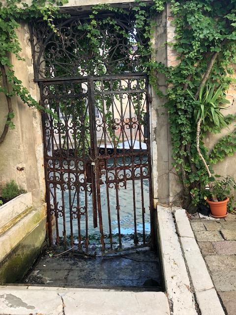 San Giorgio dei Greci - cancello