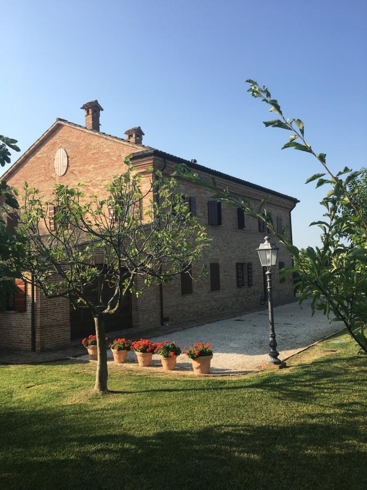 Villa Pedossa - outdoor scene, Le Marche, Italy