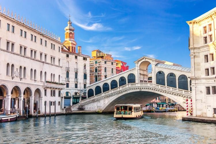 Rialto and Fondaco dei Tedeschi, Venezia, Italia