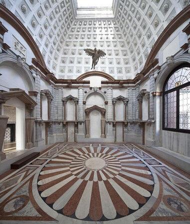 Palazzo Grimani - sculpture gallery c. 2015
