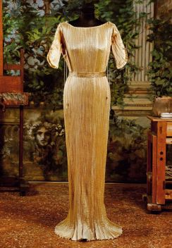 Delphos gown - golden silk, on display in Palazzo Fortuny, Venice
