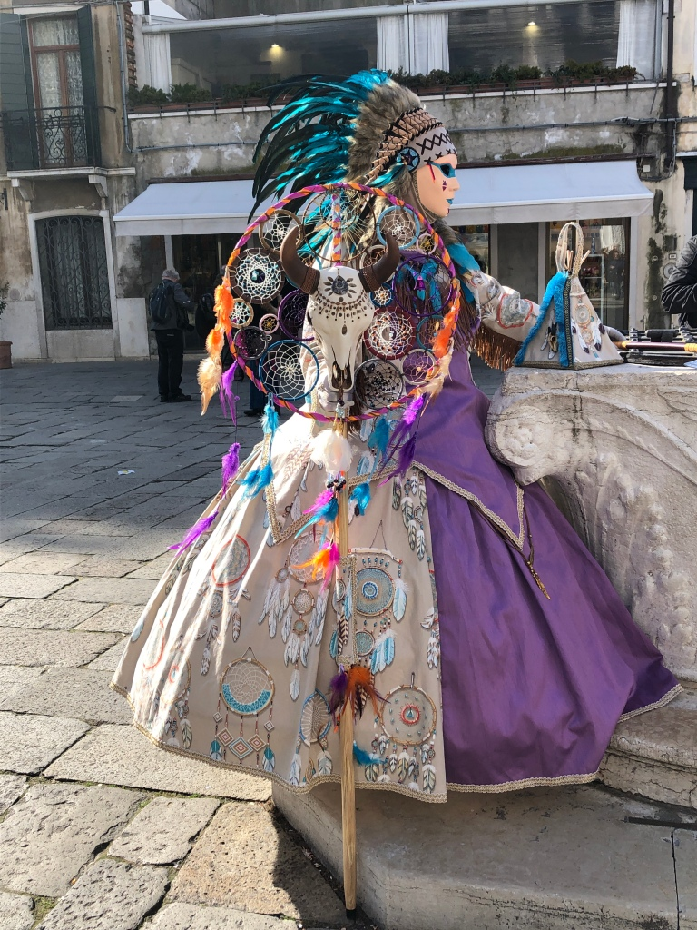 Carnevale - Native American Indian inspiration, feathers and dream catcher
