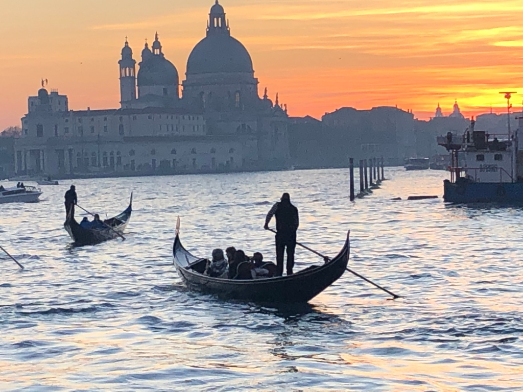 Venice - the sun sets over Bacino San Marco - March 2020 www.educated-traveller.com