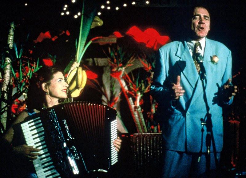 Film - Pane e Tulipani (2000) starring Bruno Ganz and Licia Maglietta