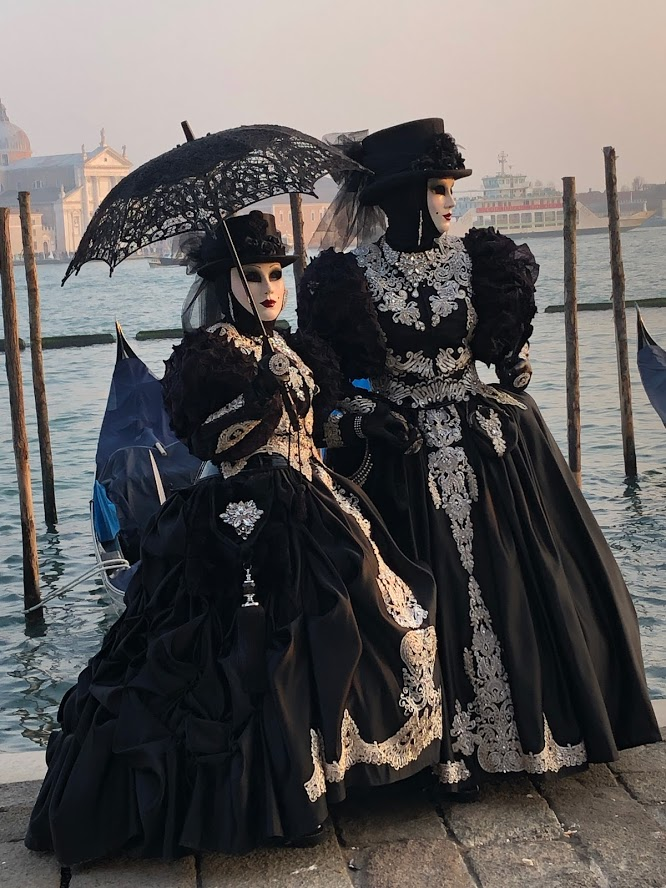 Venezia Carnevale - fabulous costumes are everywhere. Photo www.educated-traveller.com