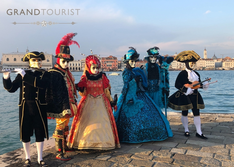 Venice - Grand Tourist - Carnival goers 2020 - photo: www.educated-traveller.com